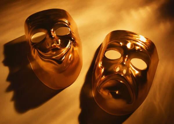 δραματοθεραπεία εικόνα - μάσκες θεάτρου